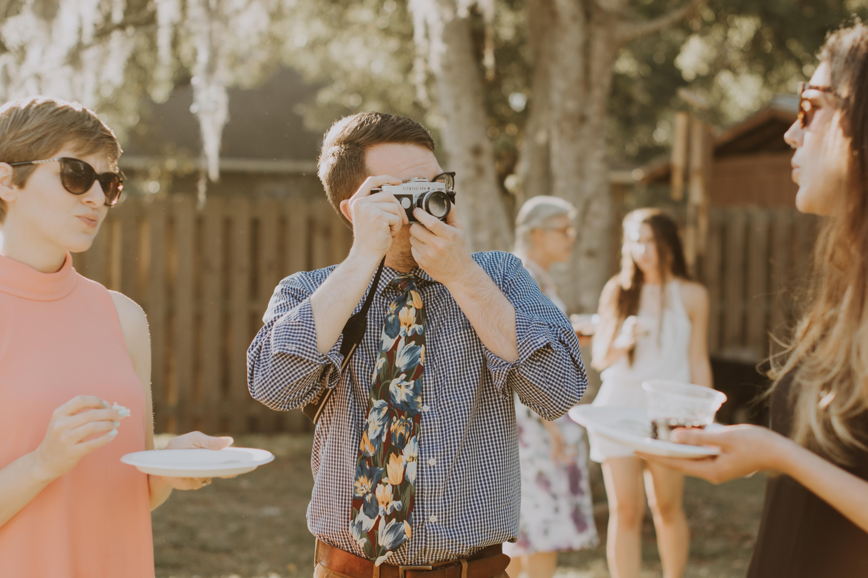 tampa backyard wedding   freehearted film co   tampa wedding photography