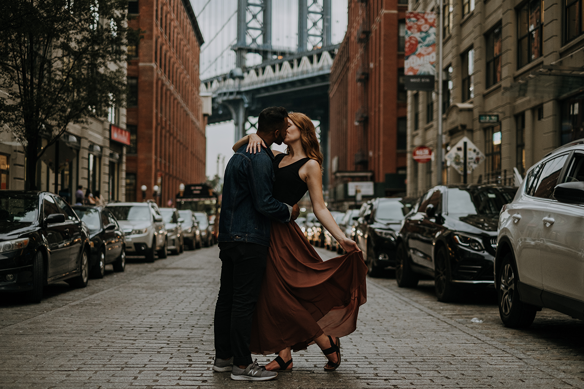 Brooklyn bridge engagement session | freehearted film co
