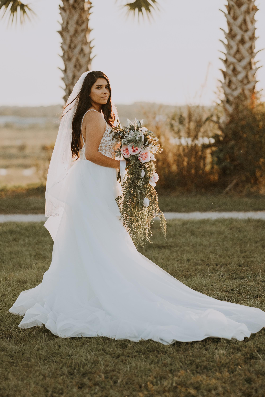 boho bride | romantic bride portraits | romantic bridal portraits | intimate wedding photos | romantic sarasota wedding | outdoor Florida wedding | boho wedding portraits